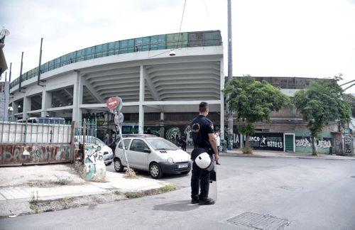 «Καραούλι» της αστυνομίας στη Λεωφόρο μην και γίνουν οι εκλογές (pics) - πράσινος τύπος